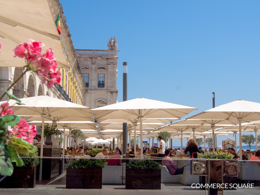 Restaurants in the Praça do Comércio in Lisbon