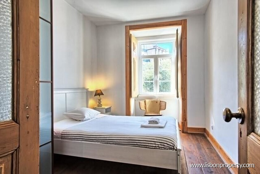 Apartment T2 for sale in Lisbon • ref 22073 - 1