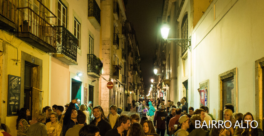 Bairro Alto is a neighborhood originally from workers, atulmente with lots of bars and restaurants offer