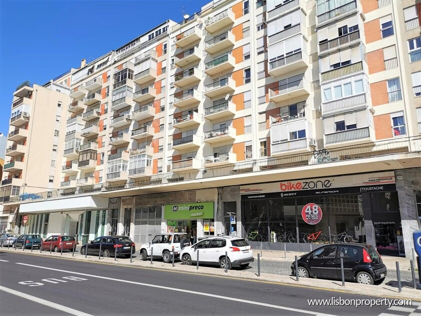 Apartment T4 for sale in Other Locations • ref 22612