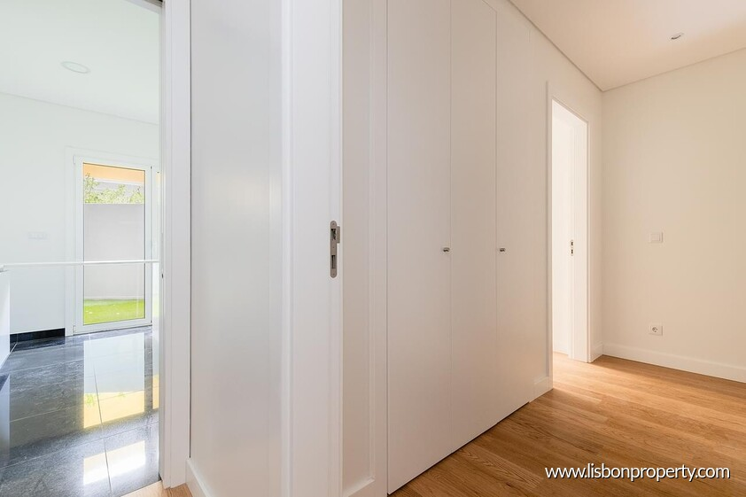 Apartment T2 for sale in Lisbon • ref 19415 - 13